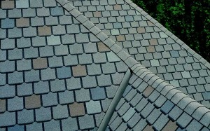 Choosing Between Flat Roofs Vs Dimensional Shingles